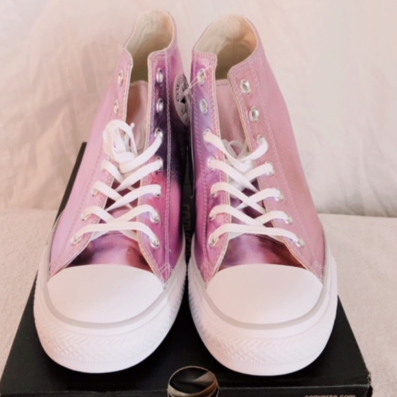 a2518c2f7022 NWT Chuck Taylor All Star Lux Mid Wedge Sneaker
